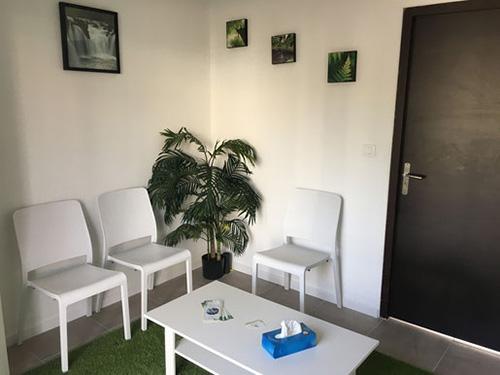salle d'attente cabinet thérapie zen